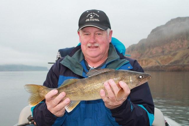 Walleye fishing in oregon and washington for Guided fishing trips in oregon