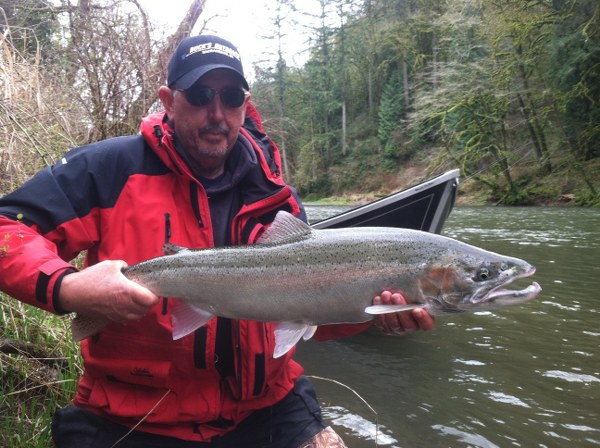 Steelhead fishing in oregon and washington for Guided fishing trips in oregon